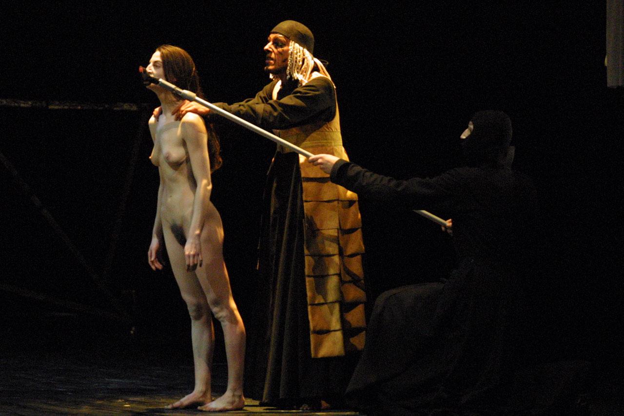 Видео знаменитые голые актеры в театре — img 8
